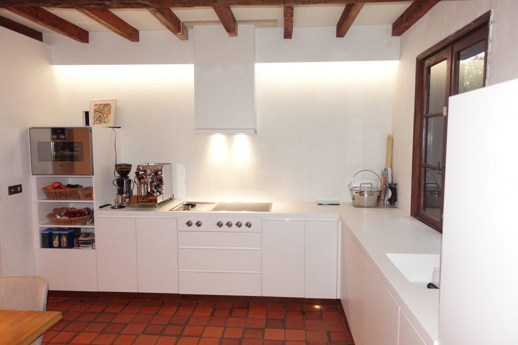 keuken inbouw wit houtwerk delft