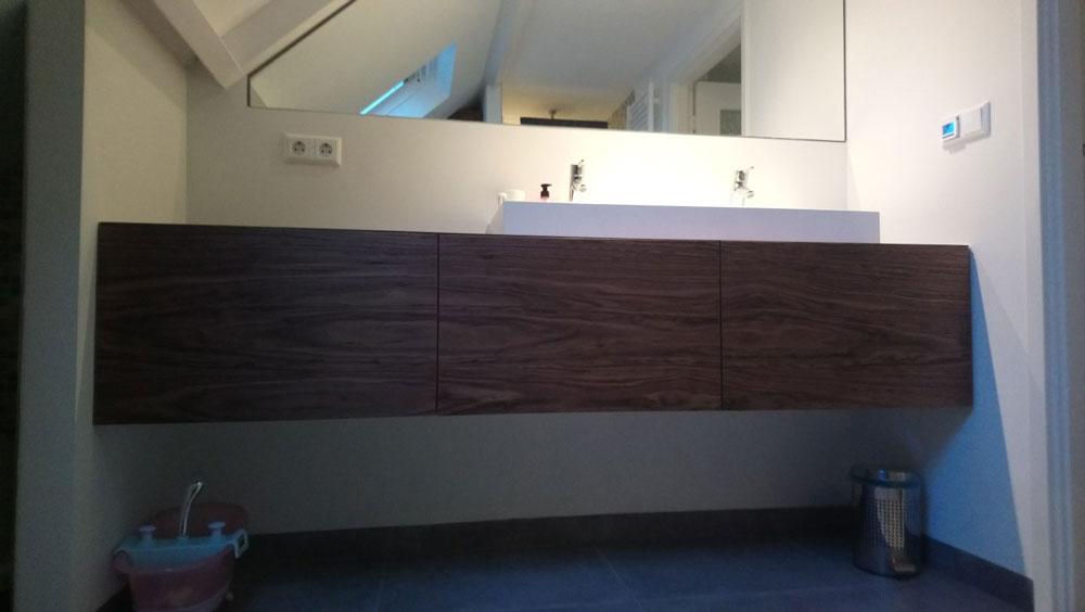 badkamer-meubel-hout