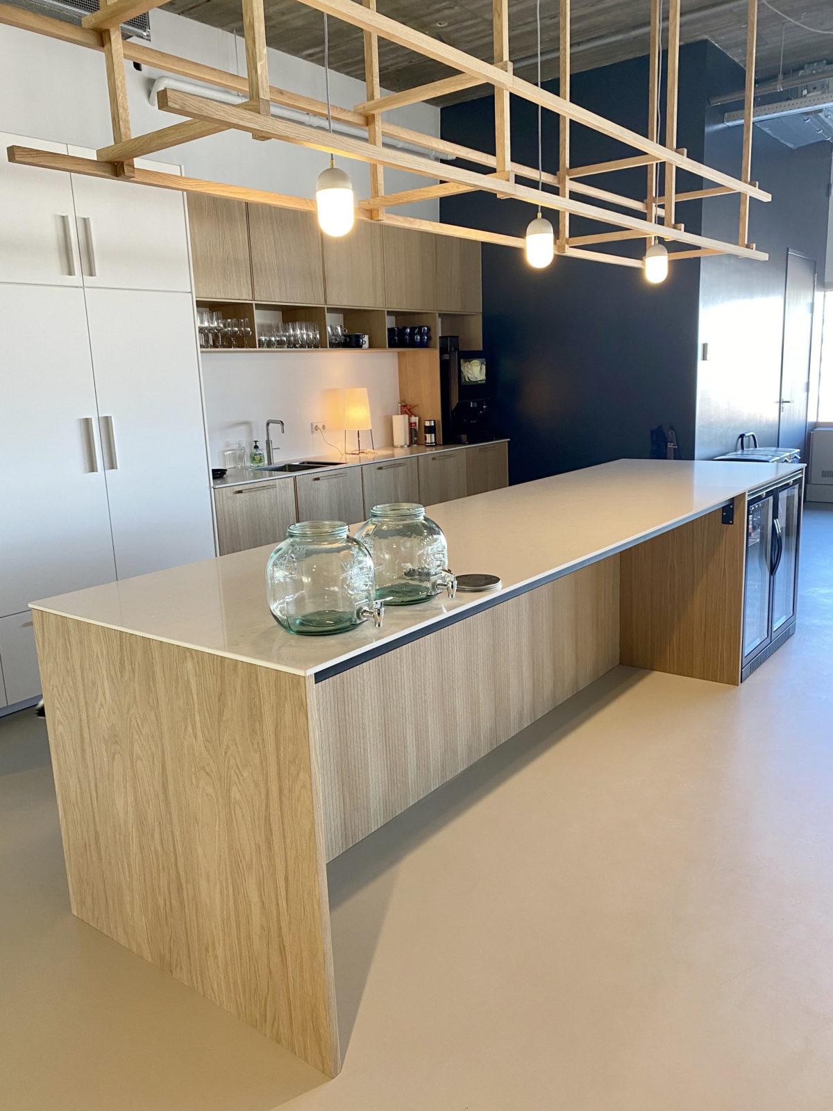 Keukenblok en lampenframe